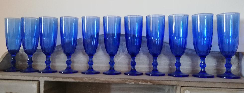 11 flûtes couleur bleu cobalt