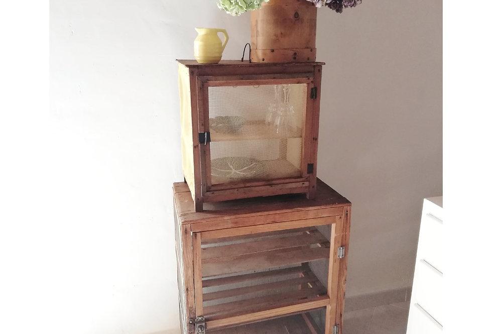 garde manger vintage en bois