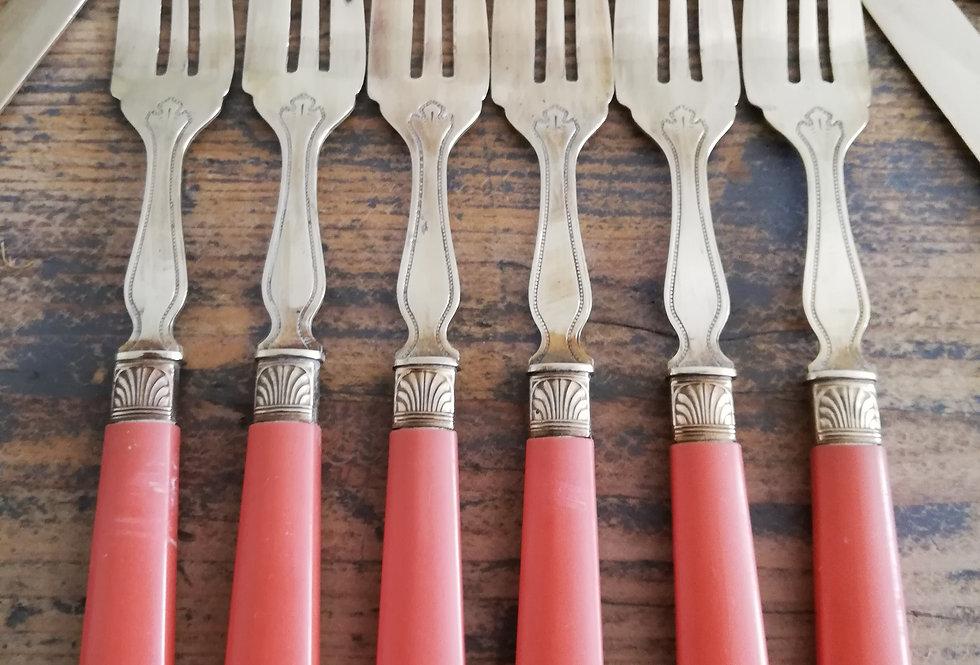 Fourchettes et couteaux années 50