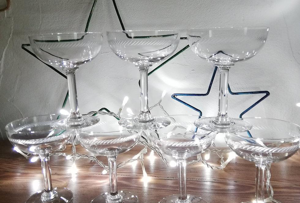 8 coupes à champagne en cristal XXe siècle