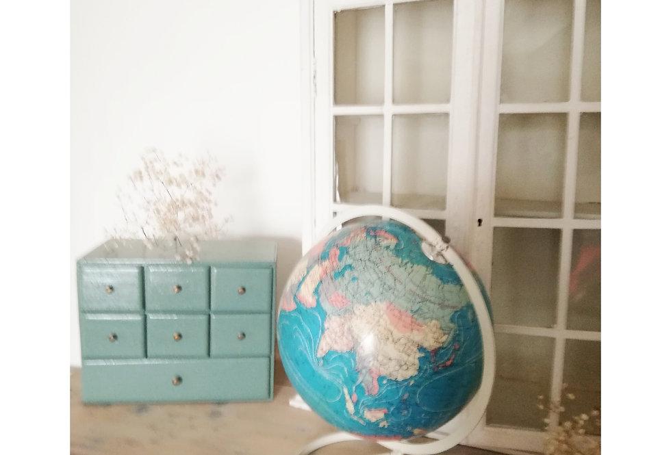 globe terrestre mappemonde vintage