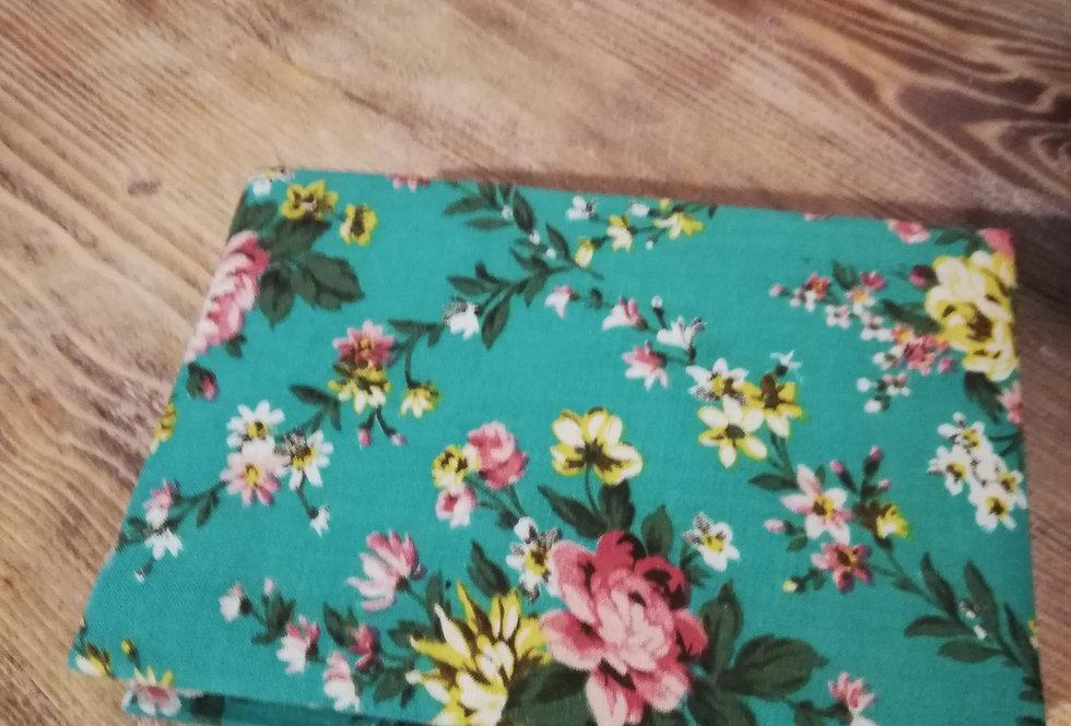boite en tissis fleurs vertes vintage