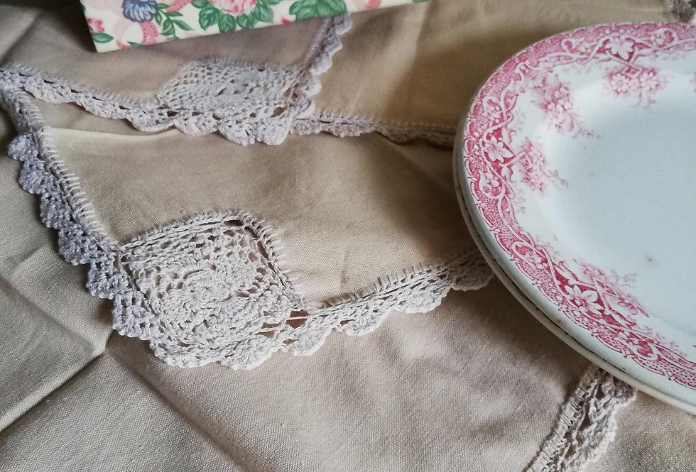 serviettes de tables beige