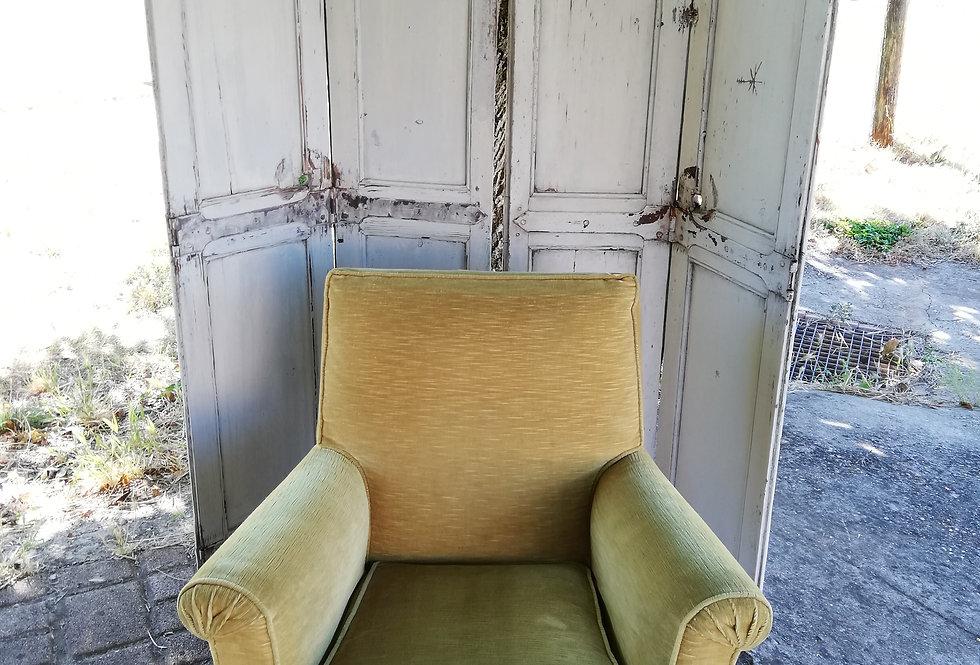 fauteuil crapaud couleur moutarde