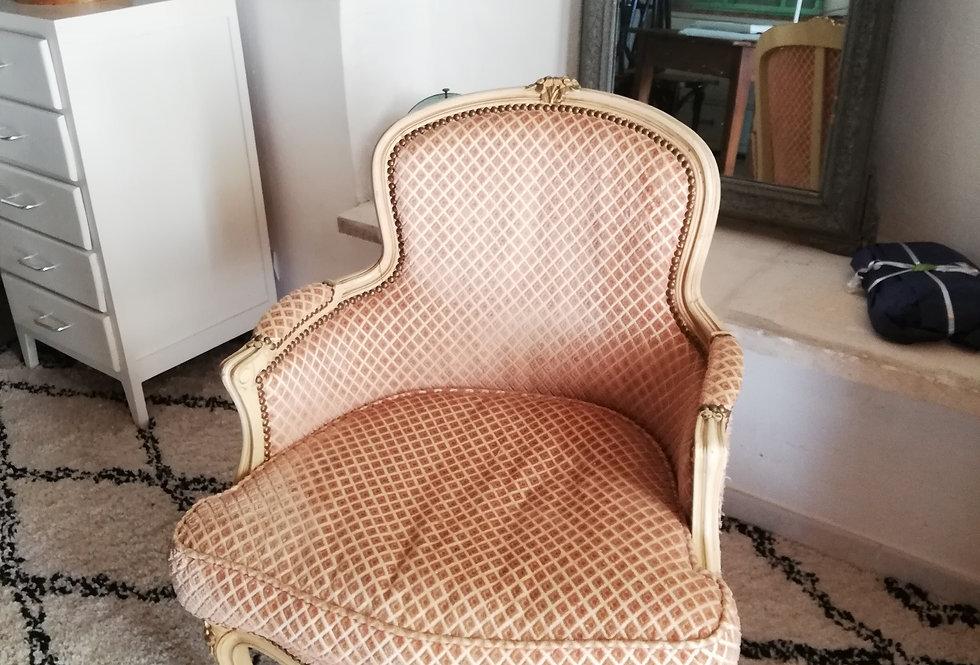 fauteuil louis XV rose poudré