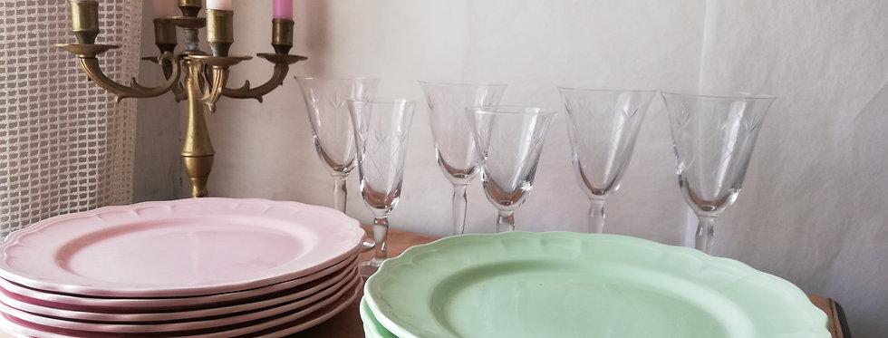 Assiettes rose et verte Salins les Bains