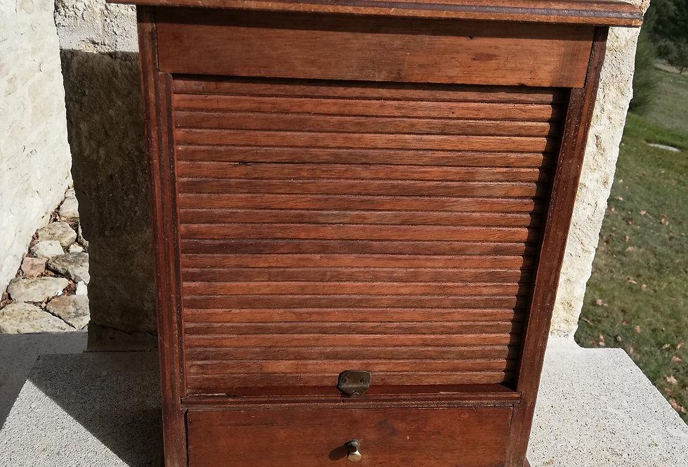 Petit meuble bois à rideau vers 1950