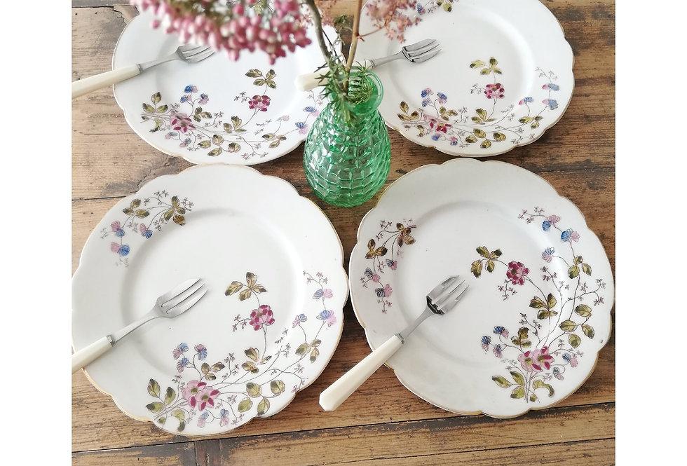 assiettes a dessert fleuries en porcelaine