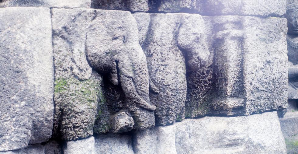 éléphant de pierre.jpg