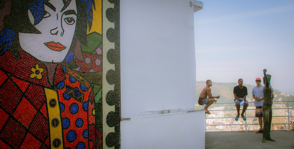 Mikael na Favela.jpg