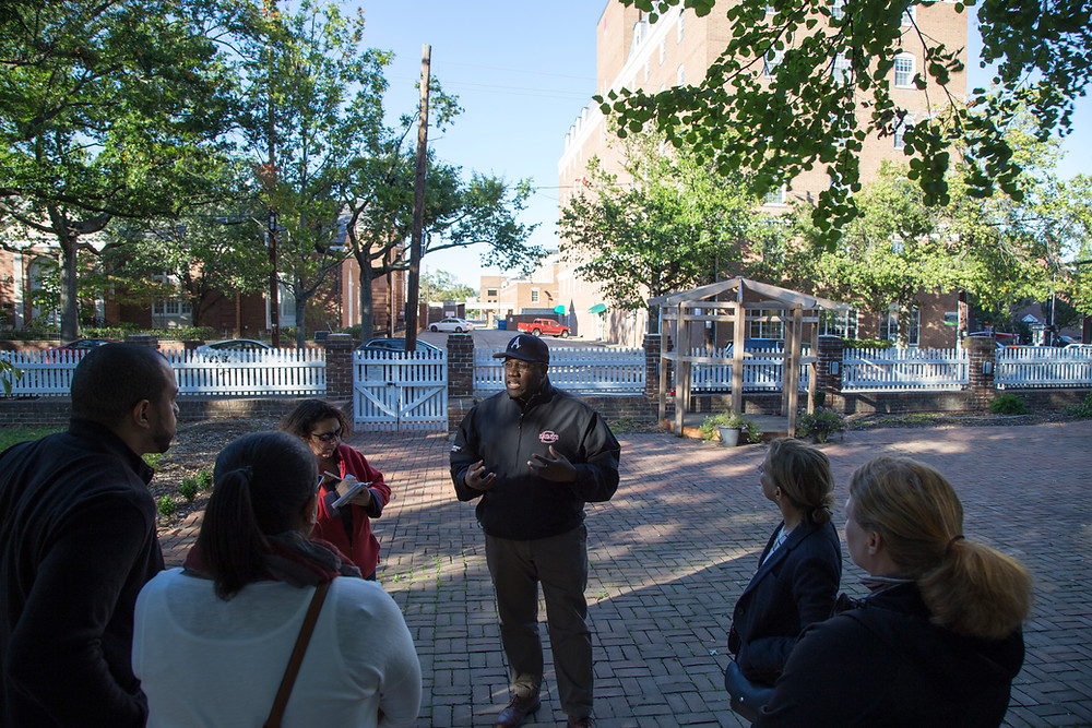 Mr. John Chapman leading a Manumission Tour in Old Town Alexandria.