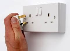 GUEST POST: @silversaints: How to replace electrical sockets and switches