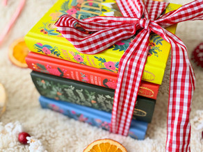 My Holiday Gift Guide for Readers