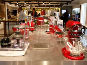 Grandes redes varejistas vão abrir centenas de lojas neste ano