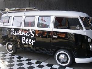 "Homem compra Kombi por R$ 900 e monta ""beer truck"""