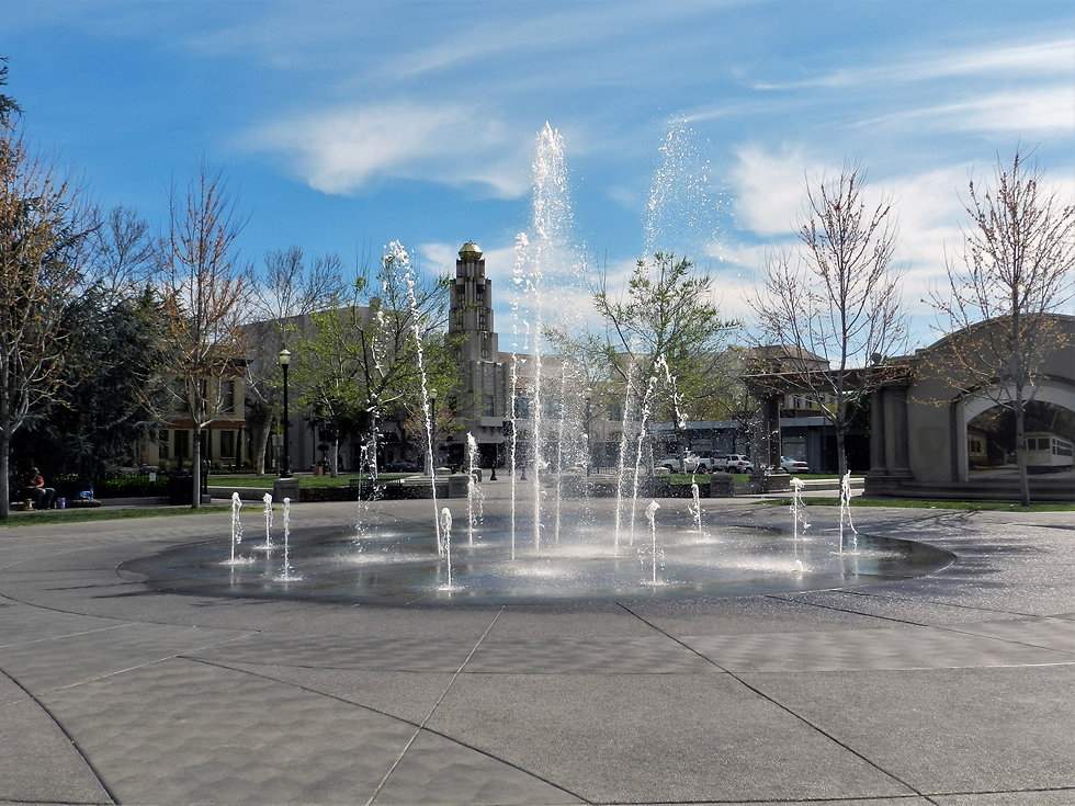 Fountain in down town plaza Chic
