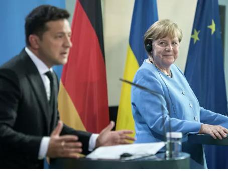 Παρέδωσε η Μέρκελ την Ουκρανία στον Πούτιν;