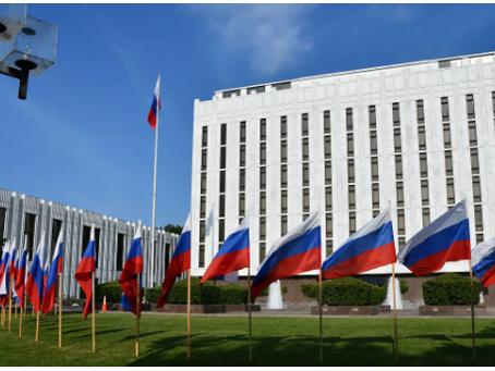 Η Ρωσική Πρεσβεία ανακοίνωσε την απειλή κατάρρευσης των σχέσεων με τις ΗΠΑ