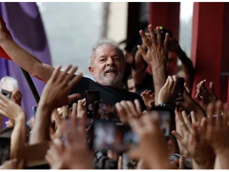 """""""Ο πιο δημοφιλής πολιτικός στη Γη"""" θέλει να ξαναγίνει πρόεδρος"""