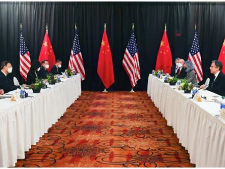 ΗΠΑ, Κίνα συμφωνούν να αποφύγουν συγκρούσεις, παρεξηγήσεις μετά τη συνάντηση στην Αλάσκα