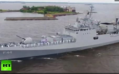 ΔΕΙΤΕ:  O Πούτιν χαιρετίζει τη χώρα ως κορυφαία ναυτική δύναμη στον κόσμο