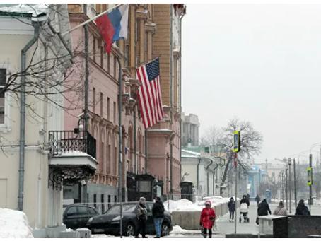 """""""Σκληρή σχέση"""". Γιατί ο Ρώσος πρέσβης να επιστρέψει στις ΗΠΑ"""