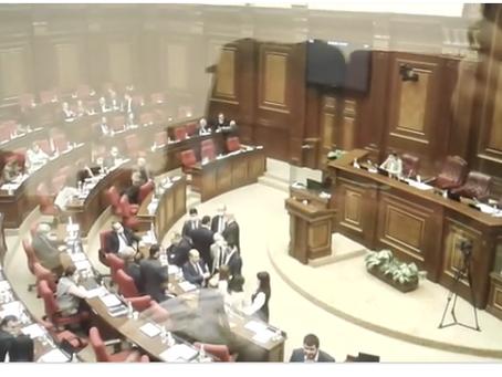 Το Αρμενικό κοινοβούλιο ακύρωσε τον στρατιωτικό νόμο