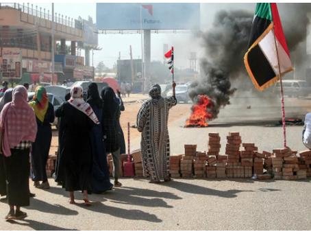 Ο Στρατός κηρύσσει κατάσταση έκτακτης ανάγκης στο Σουδάν και διαλύει την κυβέρνηση