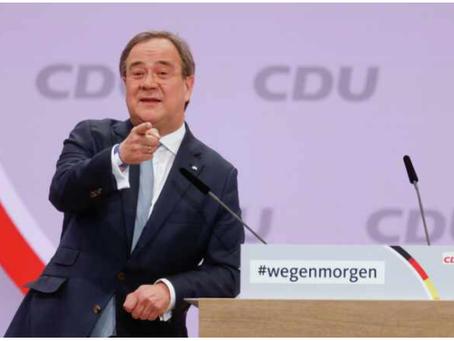 Γιατί ο πρώτος υποψήφιος για τη θέση της Μέρκελ γελάει με τους νεκρούς στις πλημμύρες