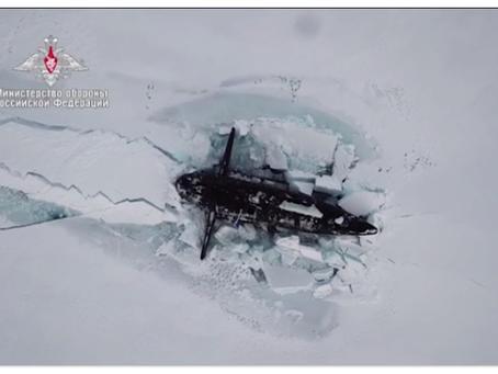 Για πρώτη φορά στην ιστορία, 3 ατομικά υποβρύχια του Ρωσικού Ναυτικού αναδύθηκαν κάτω από τον πάγο
