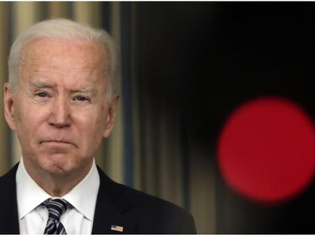 Δύο χαρακτηριστικά του νέου οικονομικού σχεδίου του Μπάιντεν απειλούν τις ΗΠΑ με έκρηξη