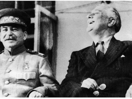 Σοβιετική πολιτική εν μέσω της απειλής πολέμου σε δύο μέτωπα