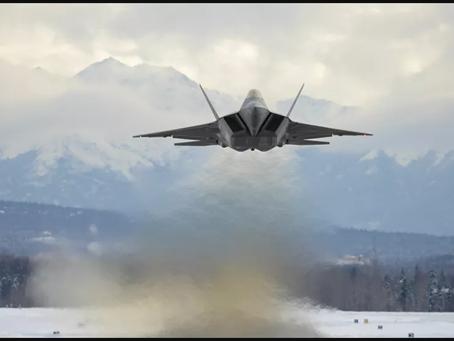 Οι ΗΠΑ στέλνουν πάνω από δύο δωδεκάδες μαχητικά αεροσκάφη F-22 στον Ειρηνικό ως μήνυμα προς την Κίνα