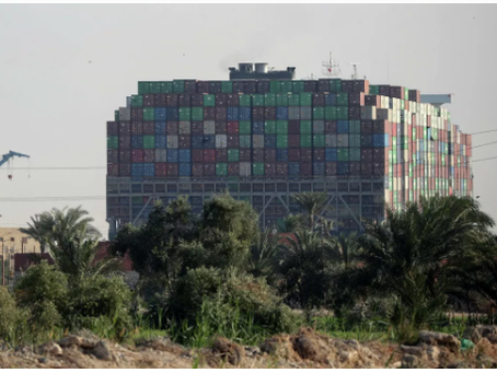 Οι μεταφορείς φορτίων της διώρυγας του Σουέζ  ζητούν διέλευση μέσω Ρωσίας