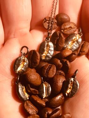 Kettenanhänger Kaffeebohne