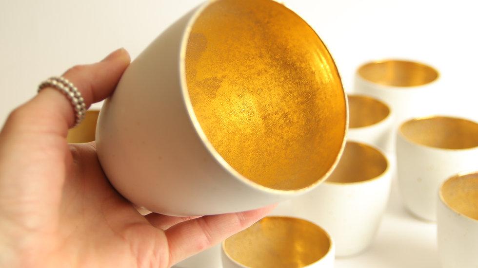 """Cappuccino Becher """"Crystal Gold"""" Weiß"""