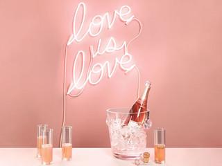 We love neon! Letreros y señales en neón! Una tendencia que querrás usar el Día de tu Boda!