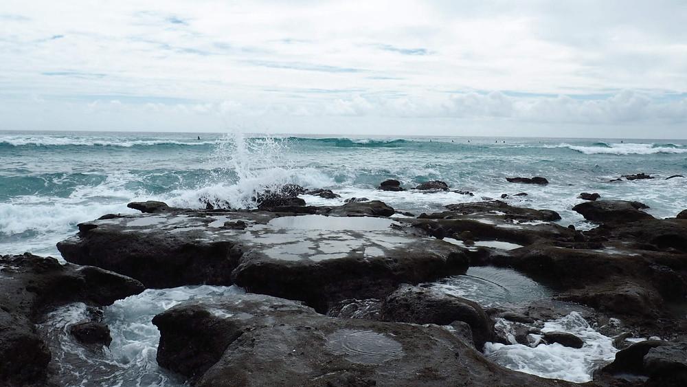 奄美のサーファーの聖地『手広海岸』