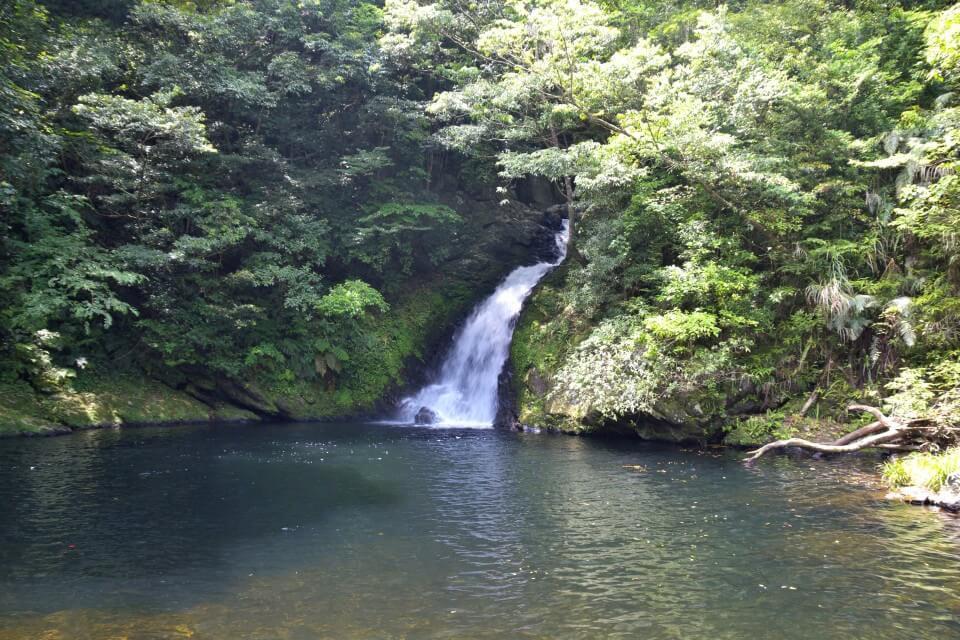 島人と旅人のオアシス『マテリヤの滝』