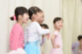 品川区中延の子どもバレエ教室「あらいりんバレエスタジオ」 | 従来のクラシックバレエのお堅いイメージとは違った親しみやすい雰囲気