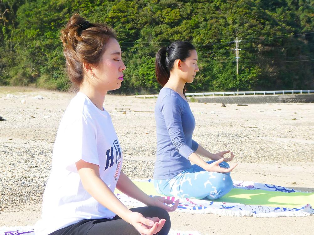 【奄美×ビーチヨガのススメ】島ヨガ体験で感じた奄美の広大な自然と澄んだ空気