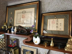歴史感じる装飾品の数々