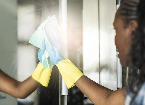 Cleaning%20Mirror_edited.jpg