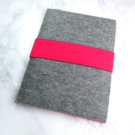 Sleeve STIEK voor iPad in 028 Pink en 707 middelgrijs