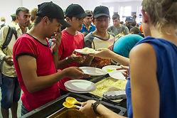 refugees-germany-volunteers-donations.jp