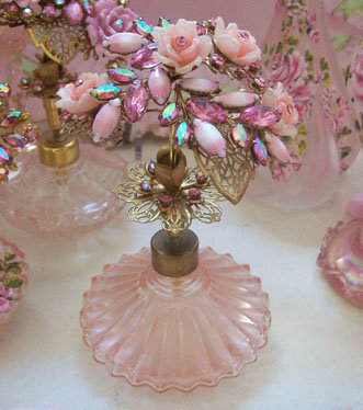 Vintage Pink Perfume Bottle Rose's Bouquet Top