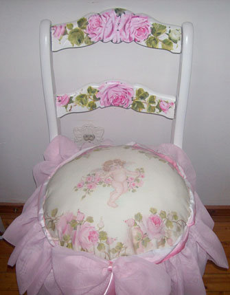 Beautiful Vintage Chair with Pillow