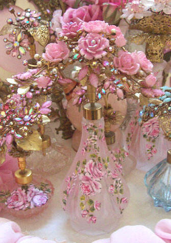 Gorgeous Blush Pink Frosted Glass Perfume Bottle Bouquet of Roses