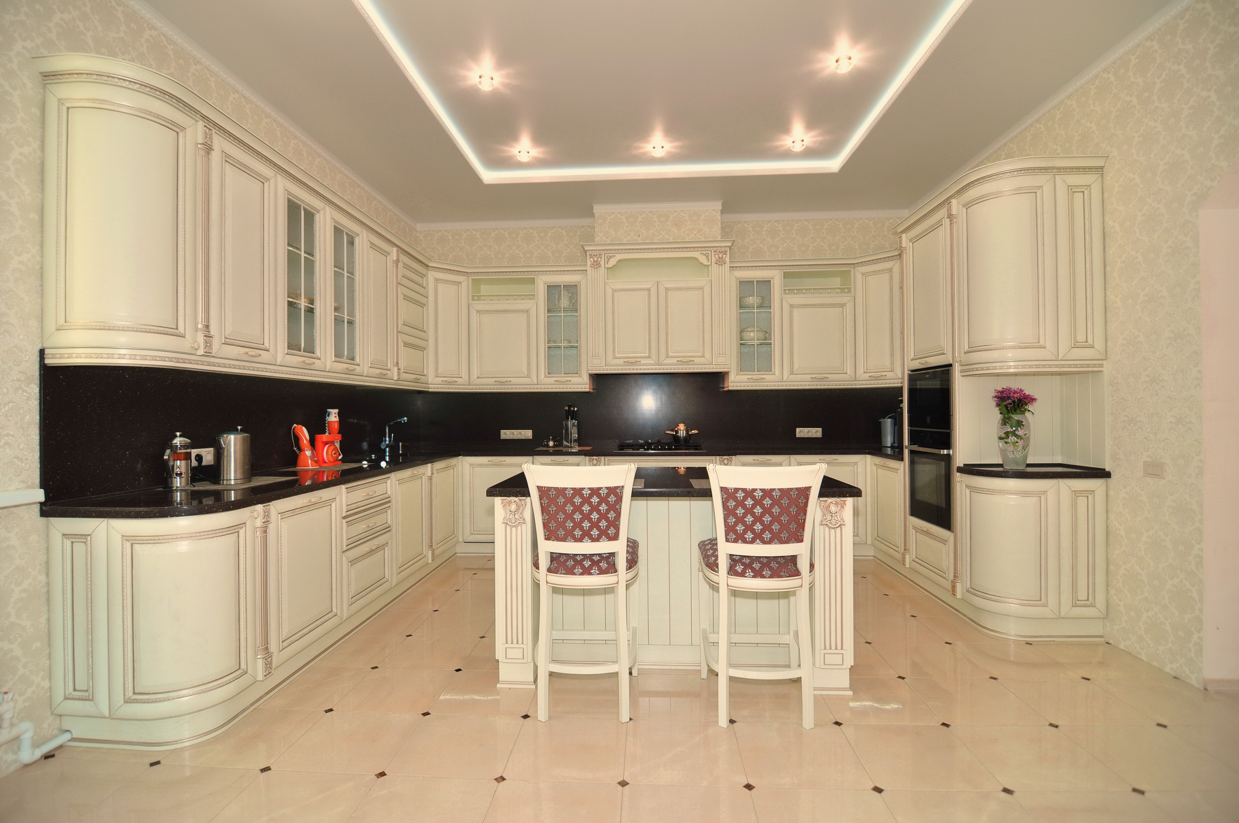 Общий вид кухонного гарнитура