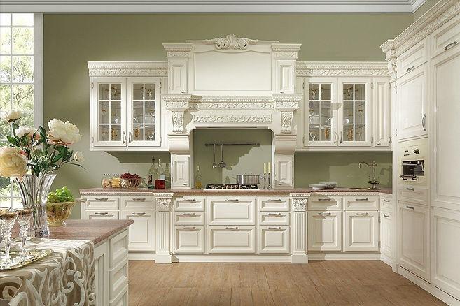 Белая кухня в классическом стиле Барокко